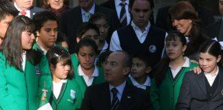 El presidente Felipe Calderón en la presentación del decreto para deducir colegiaturas