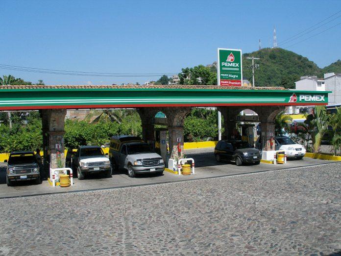 Gasolinería PEMEX / Foto: Infrogmation