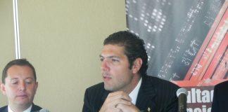 El director del Grupo Interacciones, Carlos Hank González, apuesta por los estados