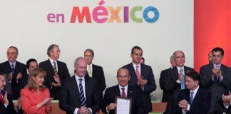El Presidente Calderón encabezó la firma del Acuerdo Nacional del Turismo