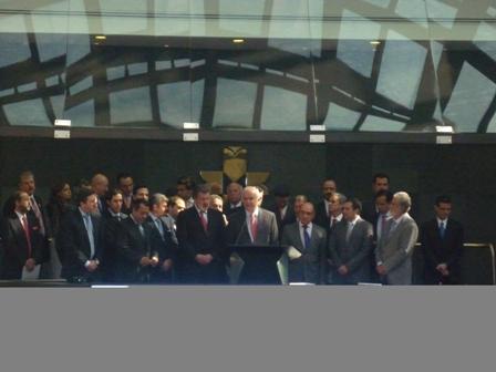 El equipo de Protego, Santander y BMV con el titular de la Secretaría de Hacienda en la colocación de la primera fibra.