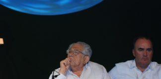 Carlos Abedrop Dávila en un evento de la ABM