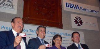Mario Gómez Galvarriato, presidente de Fundación Politécnico, Héctor Paniagua Patiño, director general de Crédito al Consumo de BBVA Bancomer, el director general de BBVA Bancomer, Ignacio Deschamps y la doctoraYoloxóchitl Bustamante Díez, directora general del IPN