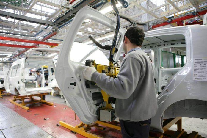 Industria automotriz, entre el cielo y la incertidumbre. Revista Fortuna