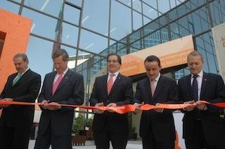 El titular de la Secretaría de Salud, Salomon Chertorivski, en la inauguración del edificio de la COFEPRIS