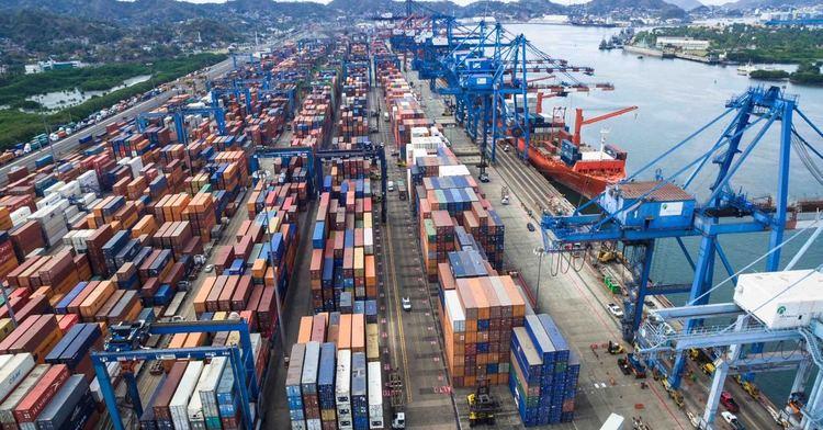 Pese a más exportaciones se dispara el déficit comercial. Revista Fortuna