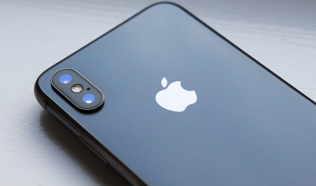 Apple rompe la barrera del billón de dólares en su valor . Revista Fortuna