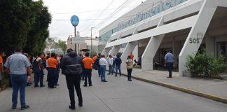 Manifestación de trabajadores de CONAGUA en Puebla.
